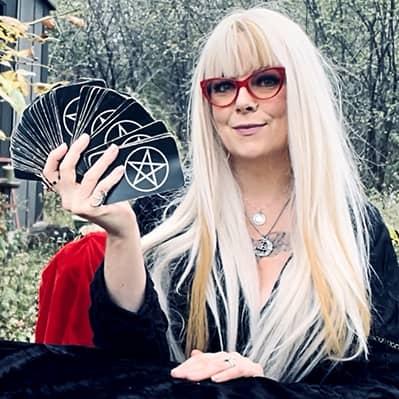 Maggie Moon - Tarot Readings